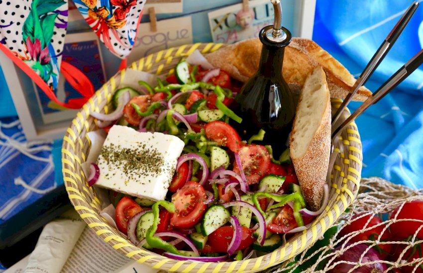 Greek Salad | KALI OREXI
