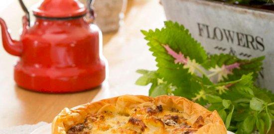 μακαρονόπιτα παστίτσιο με κρούστα από γιαούρτι