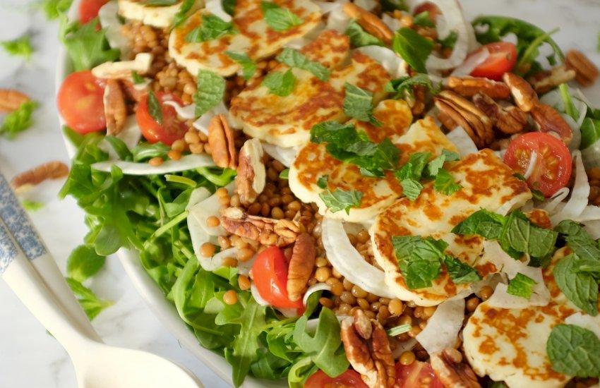 Lentils and Halloumi salad with a vinaigrette dressing